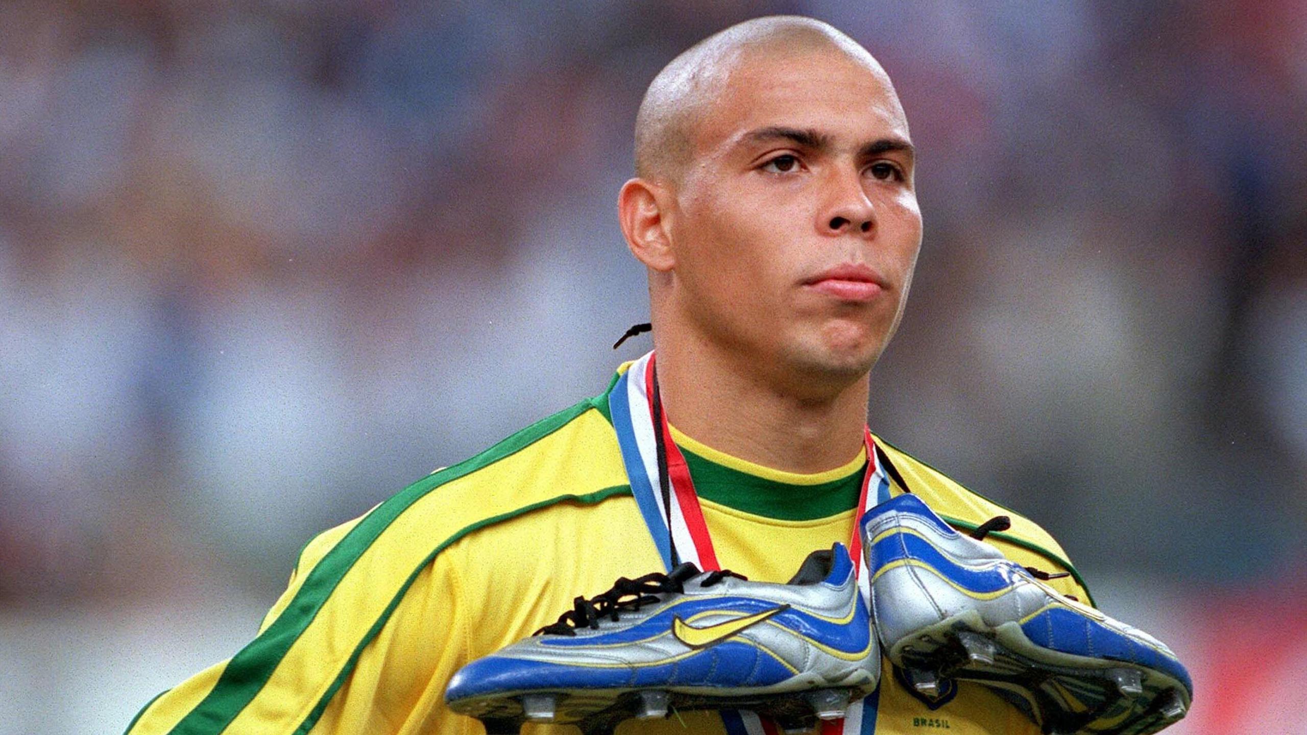Adidas Copa Mundial, Nike Vapor, Umbro Speciali Elisez la