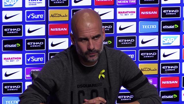 """Guardiola: """"Il Napoli è una squadra straordinaria, solo in Inghilterra potete stupirvi"""""""