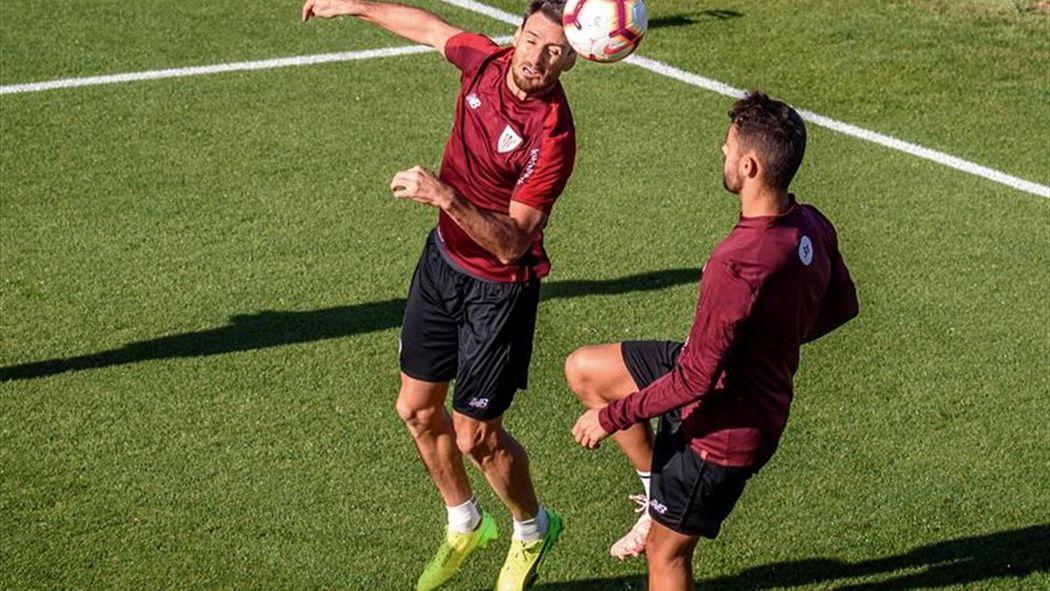 Aduriz con normalidad y Capa aparte en el trabajo en Lezama - Fútbol -  Eurosport Espana 777c32bc52f74