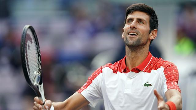 Djokovic veleggia sicuro anche con Zverev: è finale a Shanghai dopo 3 anni