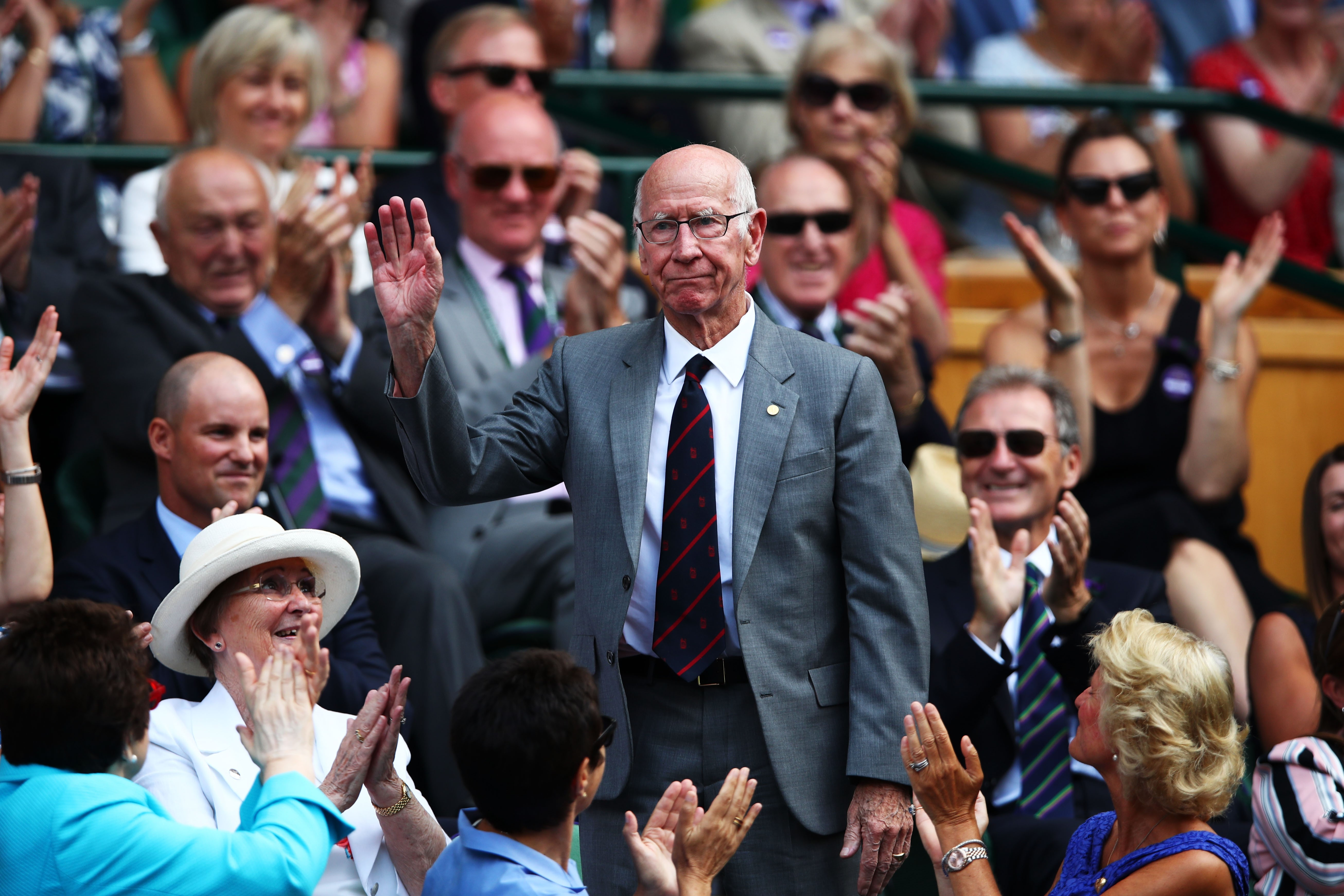Bobby Charlton hyllas under Wimbledon 2018