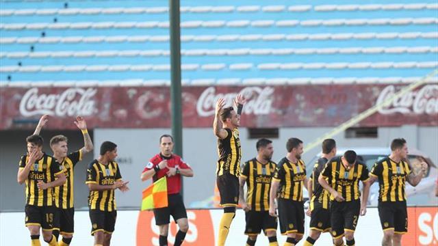 Peñarol busca volver al triunfo para seguir en la cima y alejarse de Nacional
