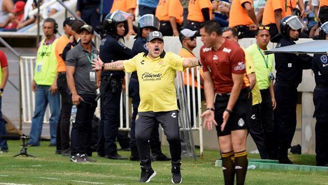"""Maradona: """"Inútil hacer caudillo a un tipo que va 20 veces al baño"""""""