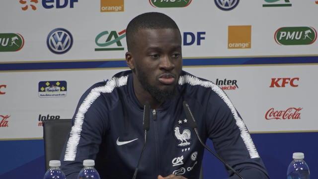 """Ndombele vante les qualités de Kanté : """"Il court partout"""""""