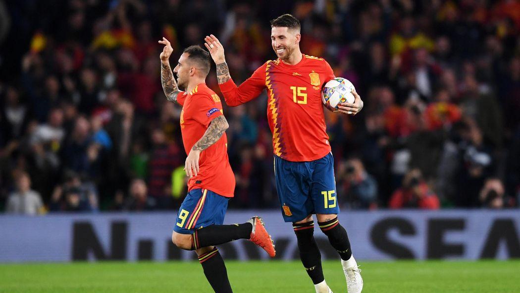 Video Espagne Angleterre A Peine Entre En Jeu Alcacer Relance