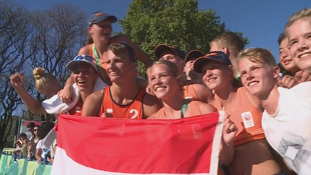 Netherlands beat Argentina in men's beach volleyball