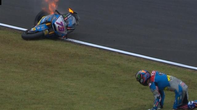 Chute à très haute vitesse et moto en flammes : énorme frayeur pour Alex Marquez