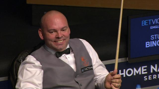 Bizarre scenes as red drops in after Bingham leaves the table