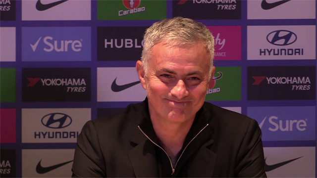 """Mourinho: """"L'assistente di Sarri è stato maleducato ma ho accettato le scuse. Ci penserà Maurizio.."""""""