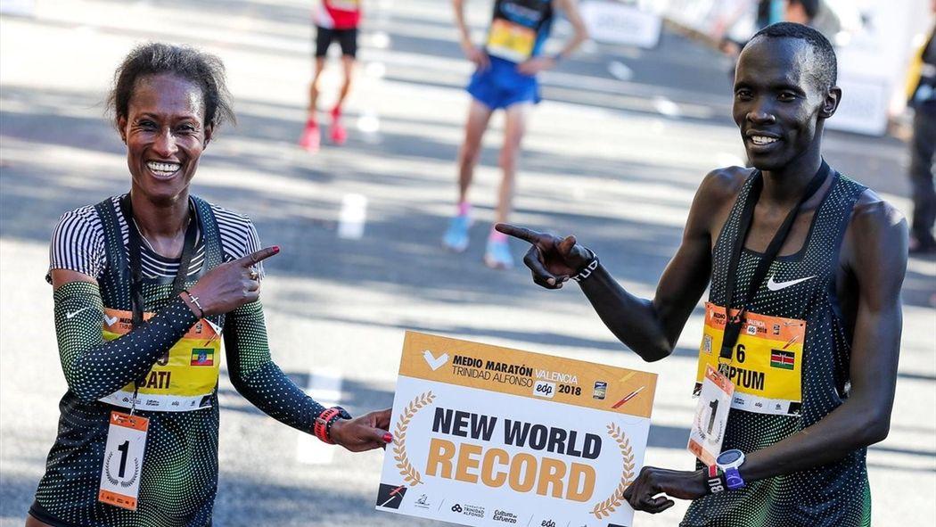 Calendario Mezze Maratone 2020 Italia.Nuovo Record Del Mondo Nella Mezza Maratona Kiptum Chiude