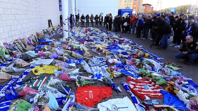 Tragedia di Leicester, migliaia di tifosi depongono sciarpe e fiori davanti al King Stadium