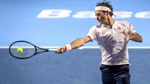Federer batte Tsitsipas 6-4, 6-4 e vola in finale — ATP Basilea