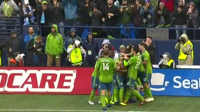 Seattle Sounders tänzeln Earthquakes-Defensive aus