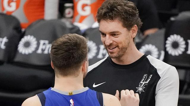 Curry impone otro récord de triples, Warriors ganan