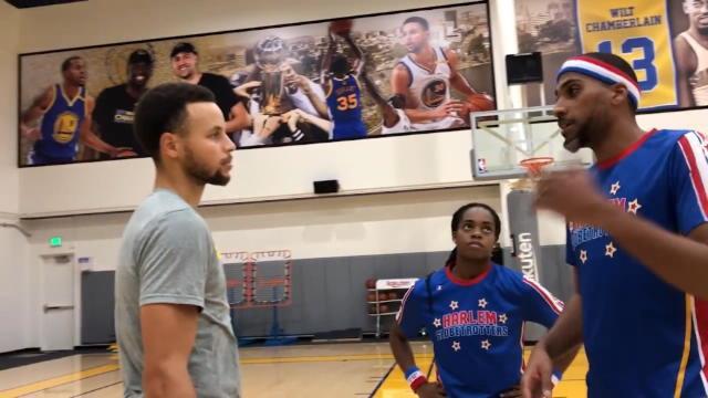 Quand Curry s'éclate avec les Harlem Globetrotters...