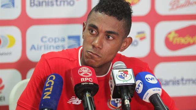 Bárcenas, centrocampista del Oviedo, baja para la selección de Panamá