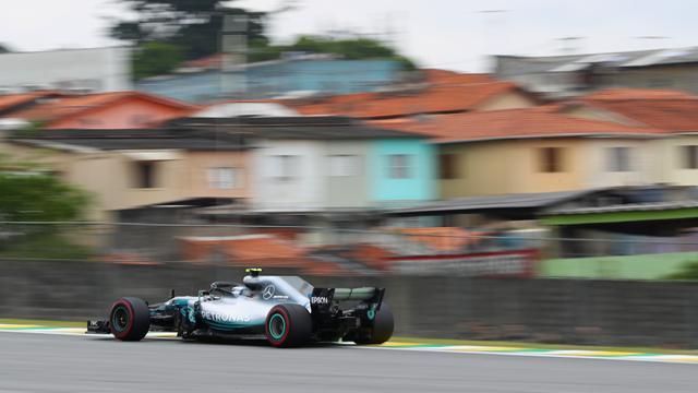 Mercedes au top, Vettel à l'affût