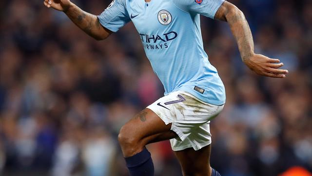 Sterling signs new contract keeping him at the Etihad until 2023