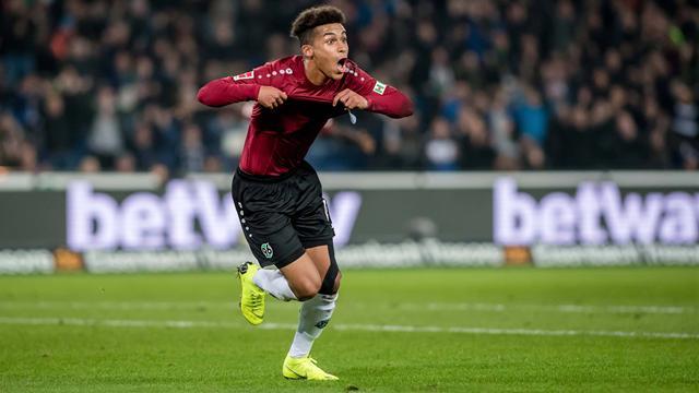 Derbysieg gegen Wolfsburg: Hannover sendet Lebenszeichen
