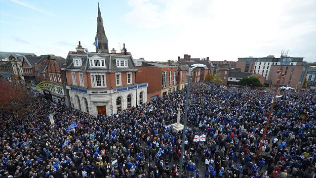 Leicester et ses supporters ont rendu un dernier hommage à Vichai