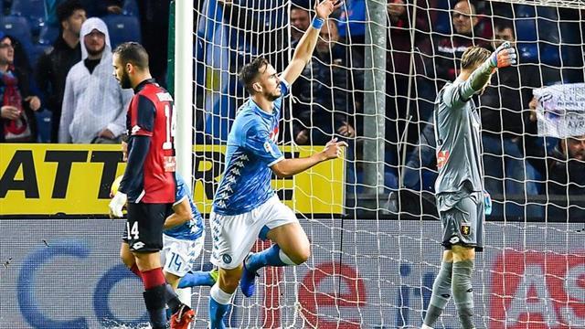 El Nápoles remonta en la lluvia de Génova con un gol de Fabián (1-2)