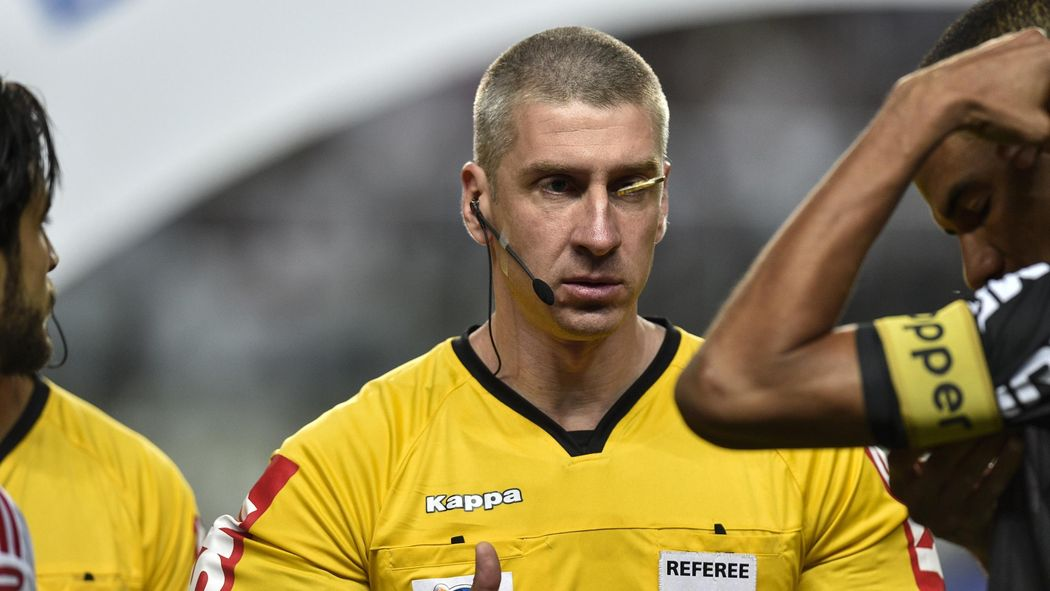 Football News Wsl Referee Suspended As Rock Paper Scissors