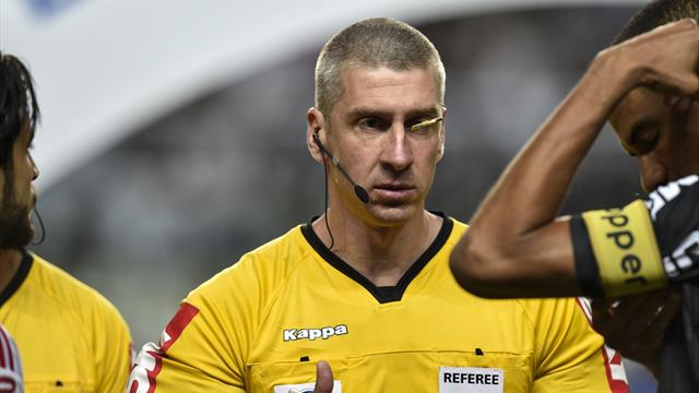 Referee banned after telling captains to play rock, paper, scissors