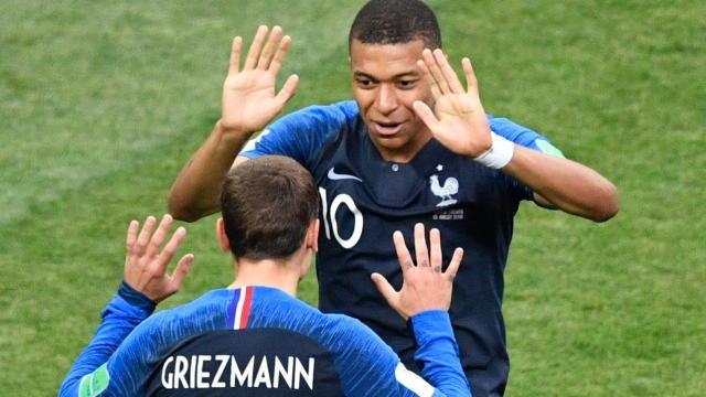 """Deschamps : """"Pas de lutte entre Griezmann et Mbappé"""""""