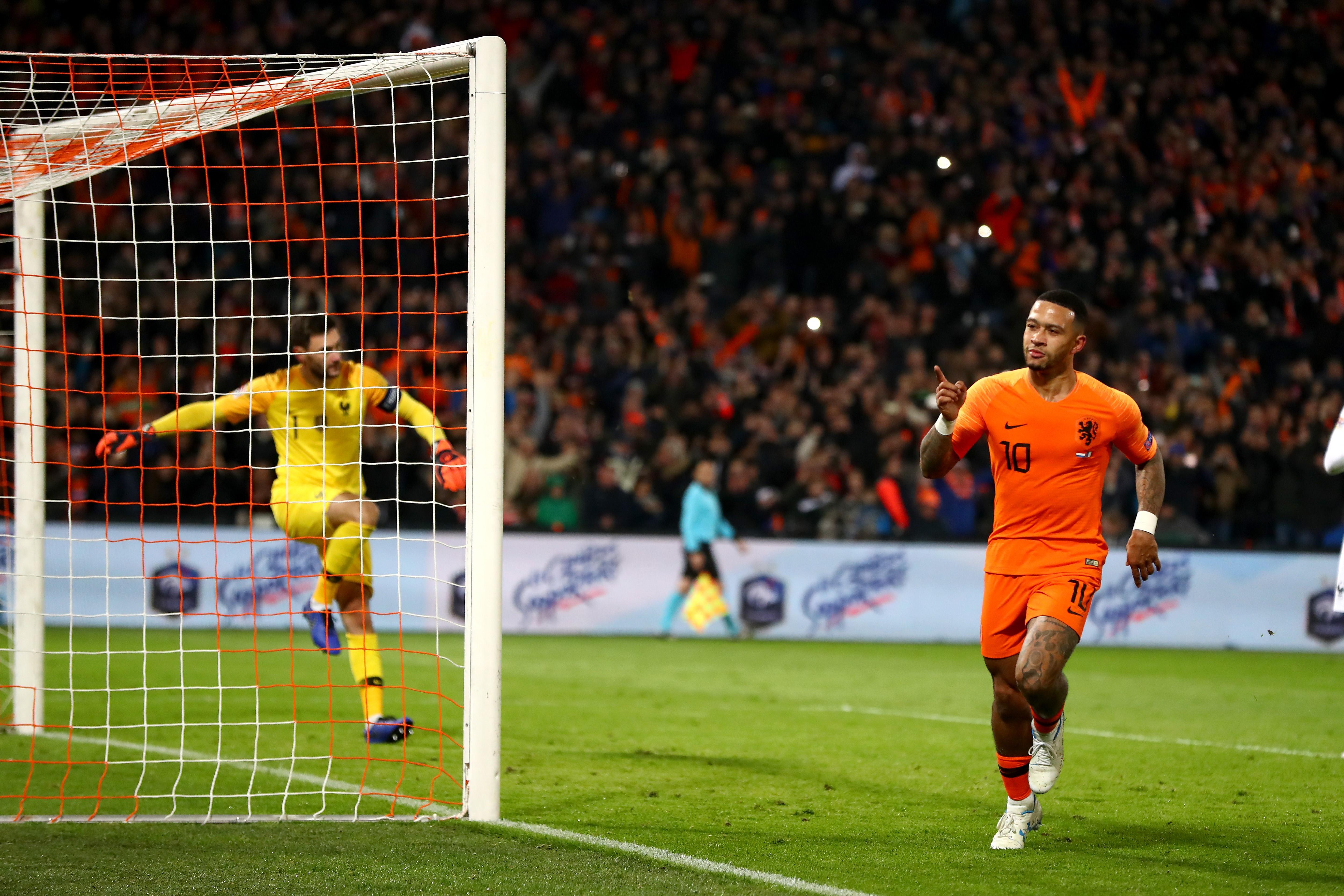 Hugo Lloris et Memphis Depay lors de Pays-Bas-France / Ligue des Nations