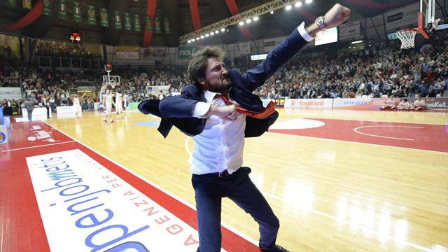 Pozzecco is back! La Dinamo Sassari lo nomina coach al posto di Vincenzo Esposito