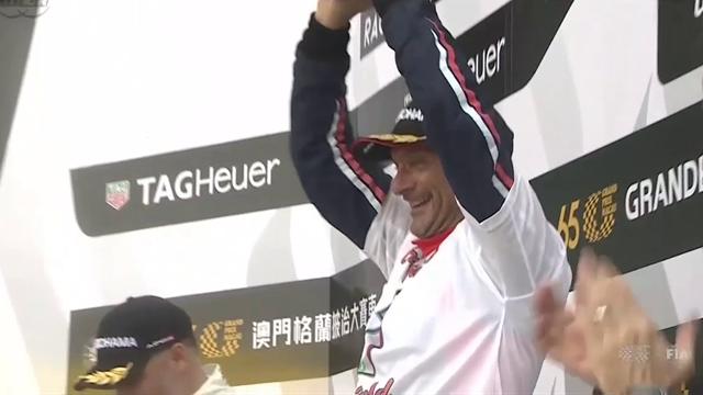 Gabriele Tarquini è campione del mondo WTCR a 56 anni! Battuto Muller per soli 3 punti