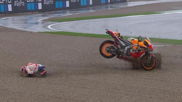 Au 7e tour, Marquez s'est fait méchamment éjecter de sa Honda !