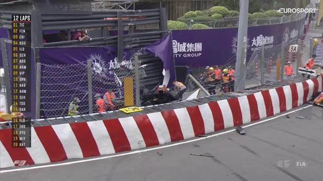 Schock bei Formel 3-Rennen: Flörsch fliegt in Macau mit Vollgas von der Strecke