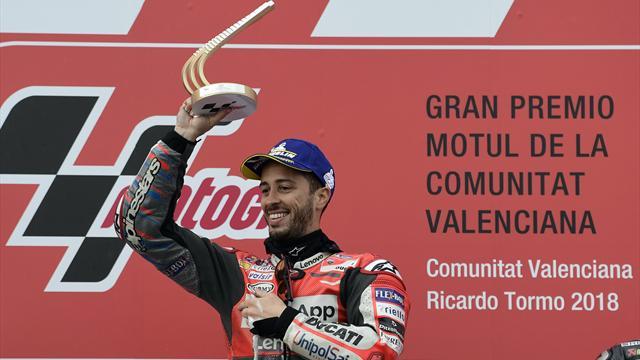 Dovizioso trionfa a Valencia! Rossi scivola a 5 giri dalla fine e chiude 13°. Marquez e Viñales out