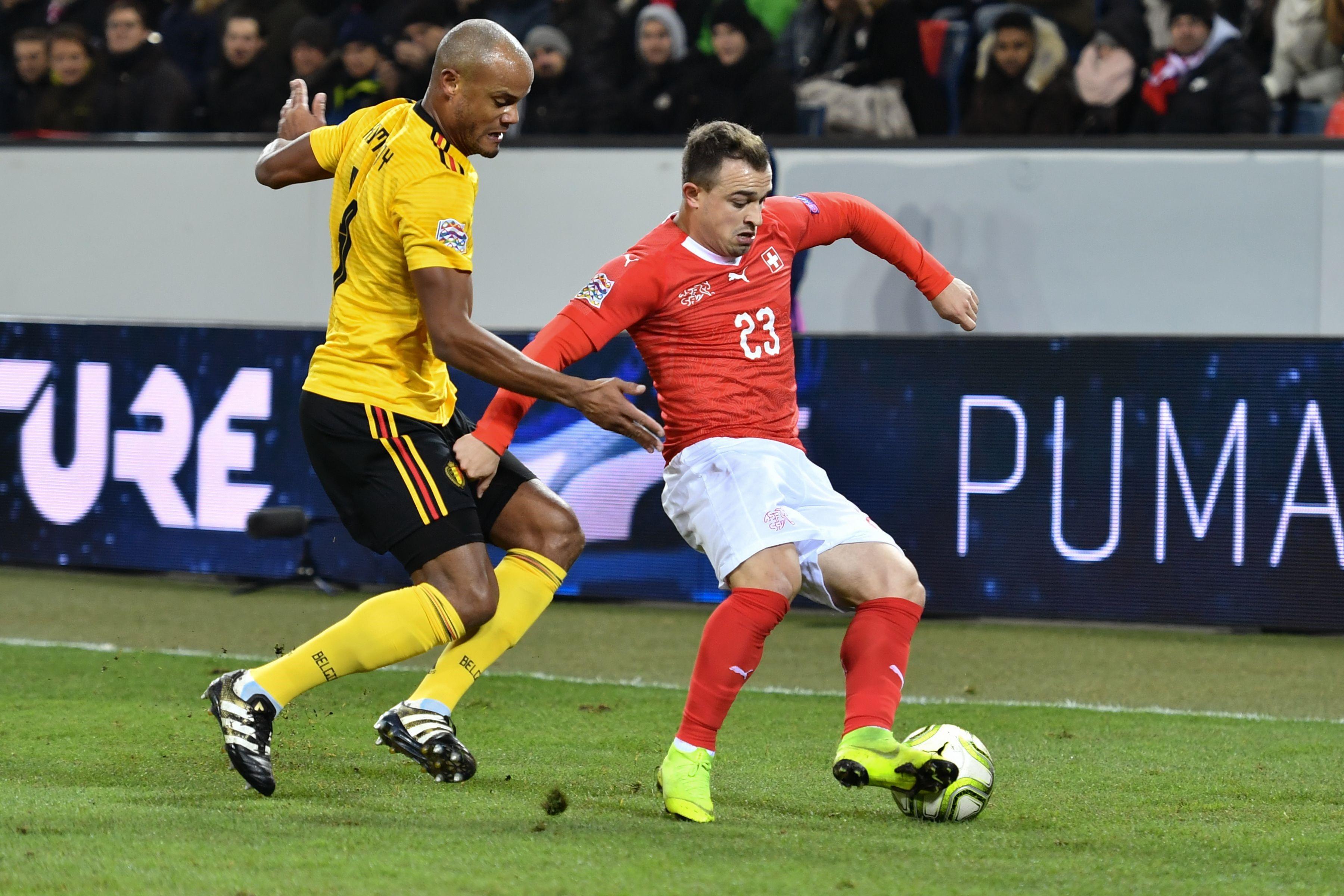 Duel entre Vincent Kompany et Xherdan Shaqiri lors de Suisse-Belgique / Ligue des nations