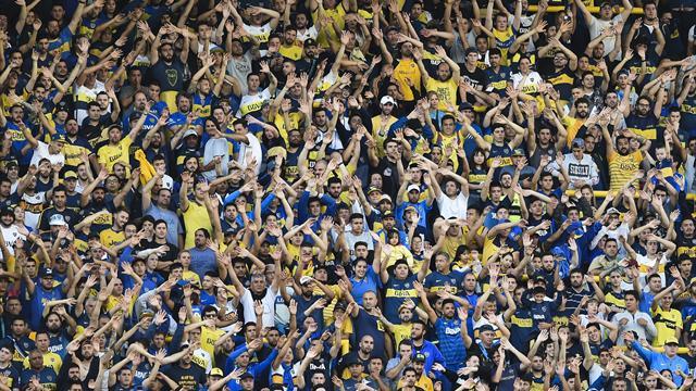 WATCH: Boca fans pack La Bombonera for training session