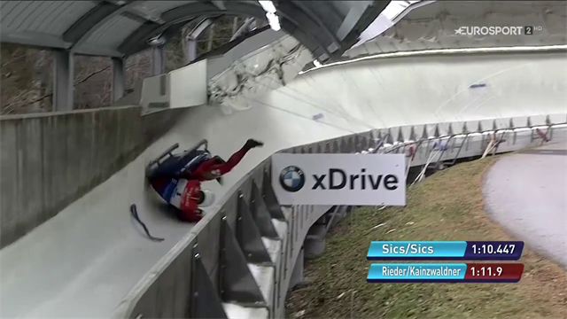Brutto incidente per il doppio di Rieder e Kainzwaldner: sbagliano la curva e si ribaltano!