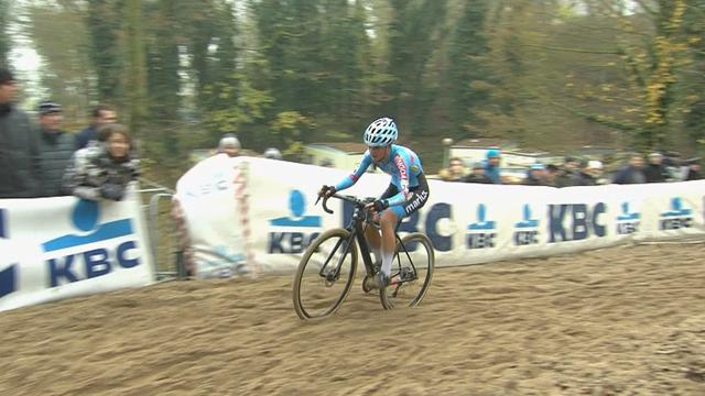 Denise Betsema claims victory in elite women's race at Koksijde World Cup