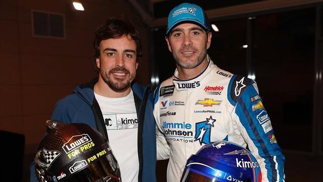 El motivador intercambio de coches entre Fernando Alonso y el campeón de la NASCAR