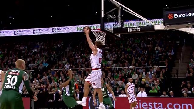 Kuzminskas slams home reverse dunk