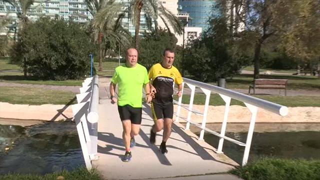 Otro grandísimo ejemplo de superación: Un corredor vuelve a hacer un maratón después de quedarse cie