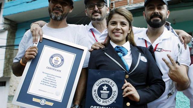 Colombia logra un récord Guinness con la carrera de downhill urbana más larga