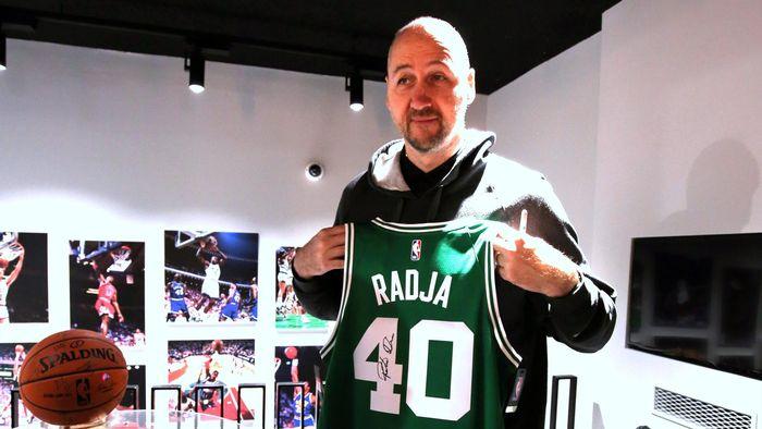 L NBA è sbarcata a Milano  aperto ufficialmente il primo store in ... 383aa7b598b7