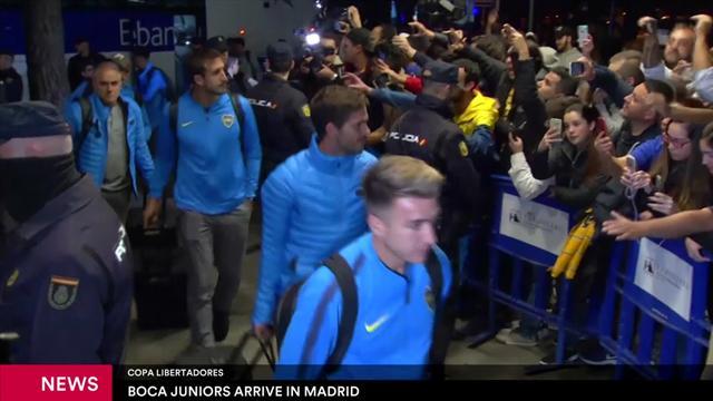 Los jugadores de Boca Juniors llegan a su hotel en Madrid