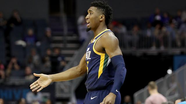 NBA round-up: Favors, Jazz rout Rockets
