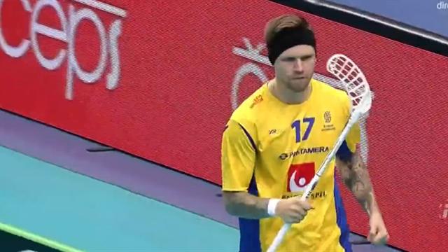 Enström sätter Sveriges första mål