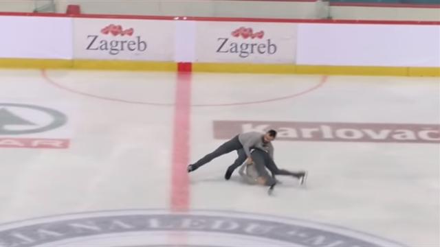 Фигурист не удержал партнершу во время поддержки и с двухметровой высоты уронил головой об лед