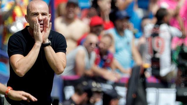 Paco López deja en Valencia a Vukcevic y convoca a Prcic ante el Eibar
