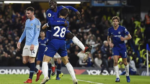 2-0. Guardiola cede el liderato en la telaraña de Sarri