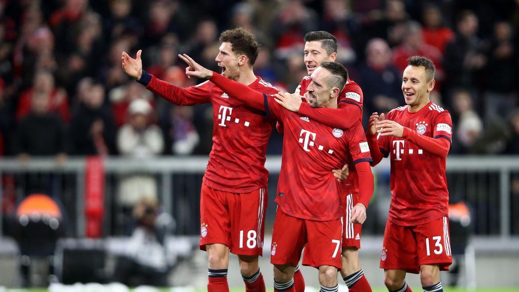 Weihnachtsfeier Bvb.Fc Bayern Feiert Entspannte Weihnachtsfeier Nur Der Bvb Nervt